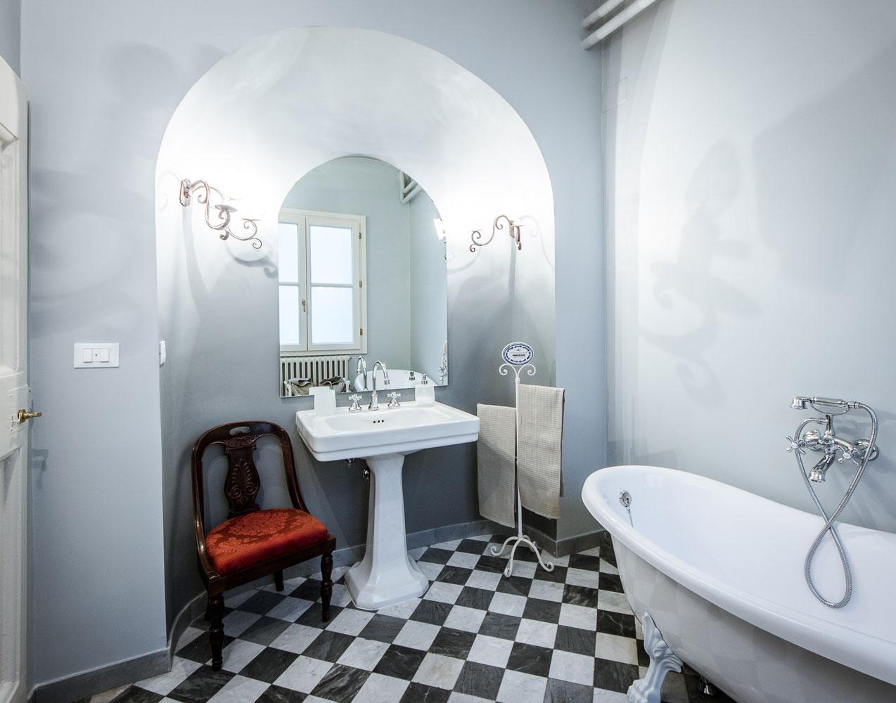 Vasca Da Bagno Con Zampe Di Leone : Staccata di lusso bagno nouveau venezia bianco argento barocco